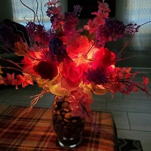 Lighted hand crafted Flowers w/Vase